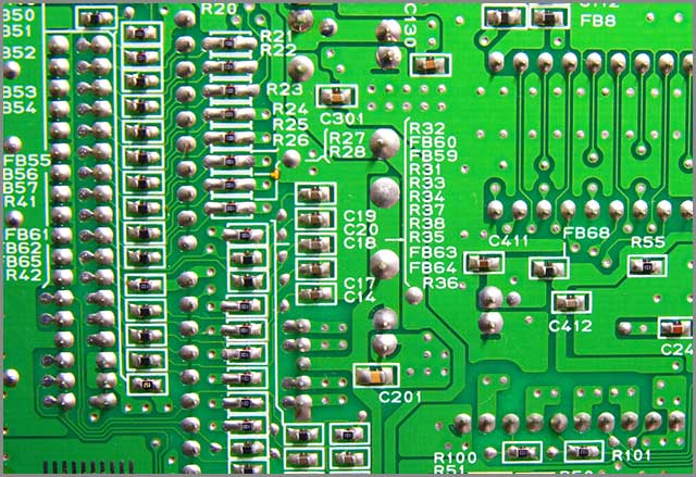 It shows a microchip CPU made up of HDI PCB