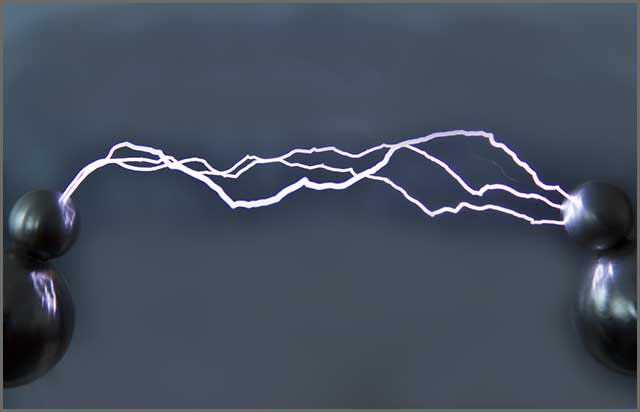 Artificially created electric discharge