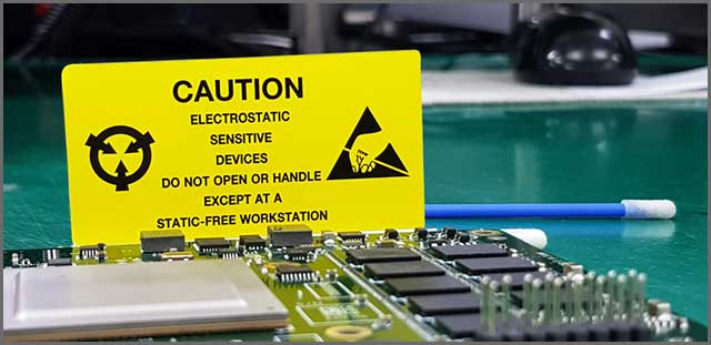 Warning about a device sensitive to static electricity
