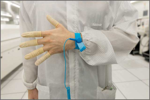 anti-static wrist strap and clothes