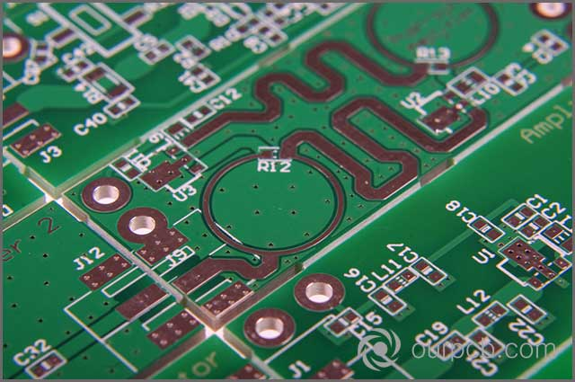 a microwave's PCB with a managed planar