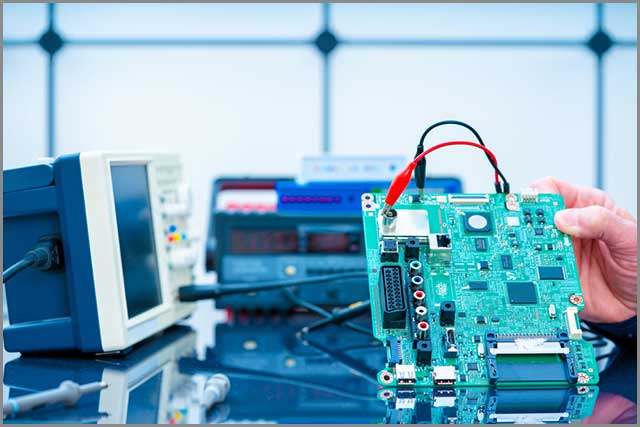 PCB testing with equipment