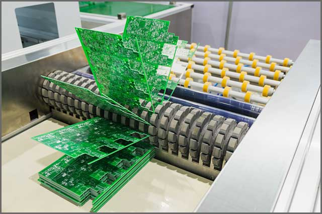 An operation plant that conducts HASL finish to PCB