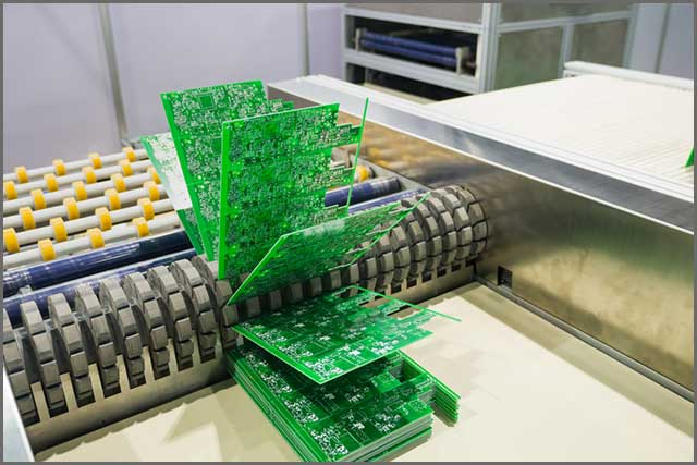 A conveyer belt with HASL finished PCBs