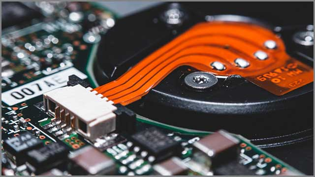 A reliable manufacturer should have experience in the field of rigid-flex PCB