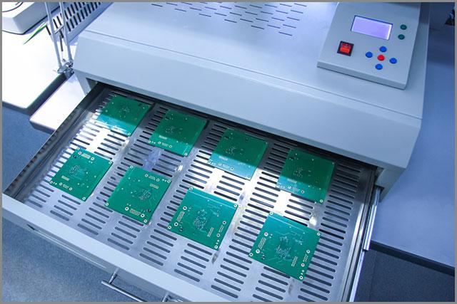 Infrared soldering oven