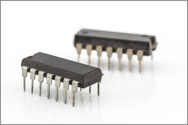 A 14-pin IC