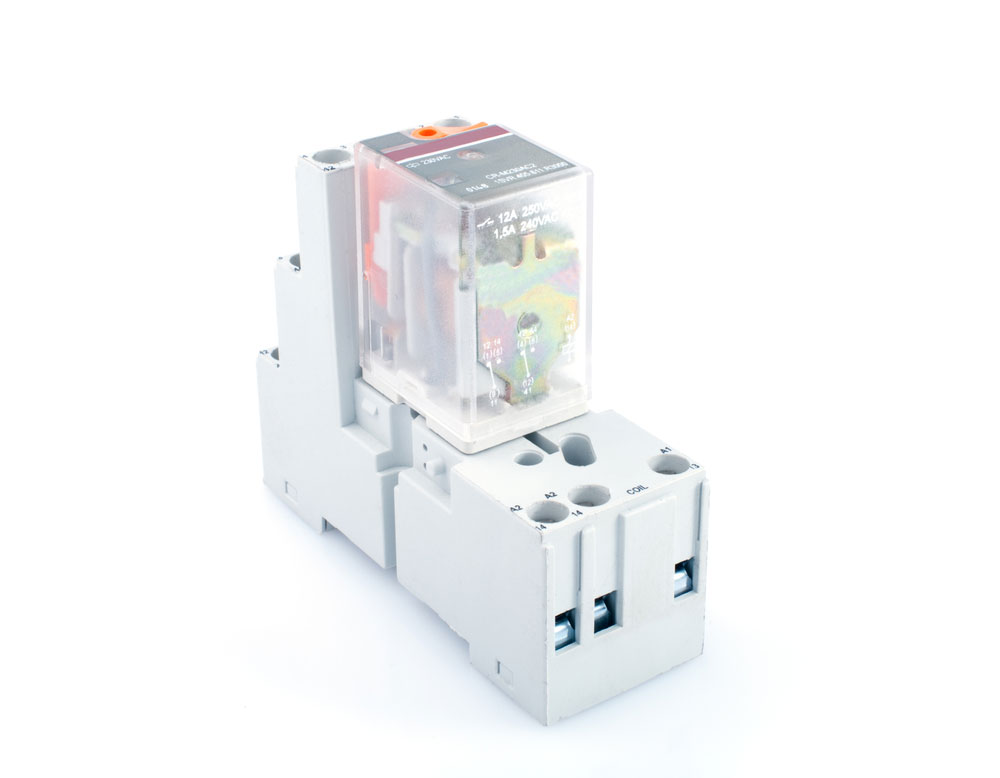 Electrical Switch Relay connected to the correct base and relay terminal