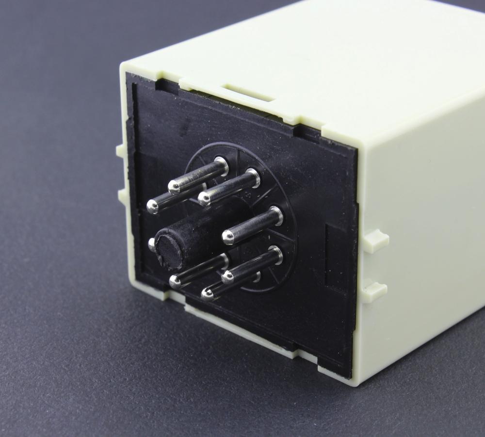 8 terminal pin